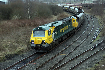 70013 runs through Arpley to Latchford Jct to run round on 6m11 Fiddlers Ferry service from Killoch.