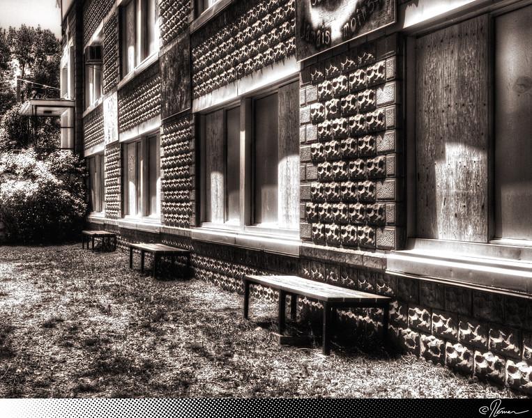 LCQM2012_Jour4-NotreDameDeLaGarde-EcoleFermee-6