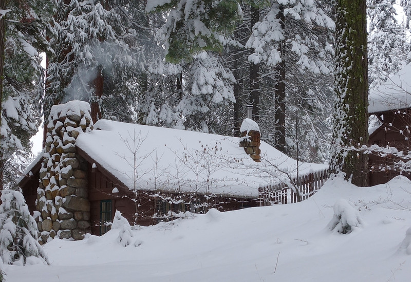 I want one of these...you know, a small, cozy cabin in a wintry paradise with a warm fire going!
