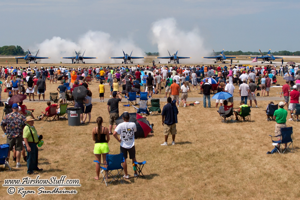 US Navy Blue Angels Airshow and Crowd