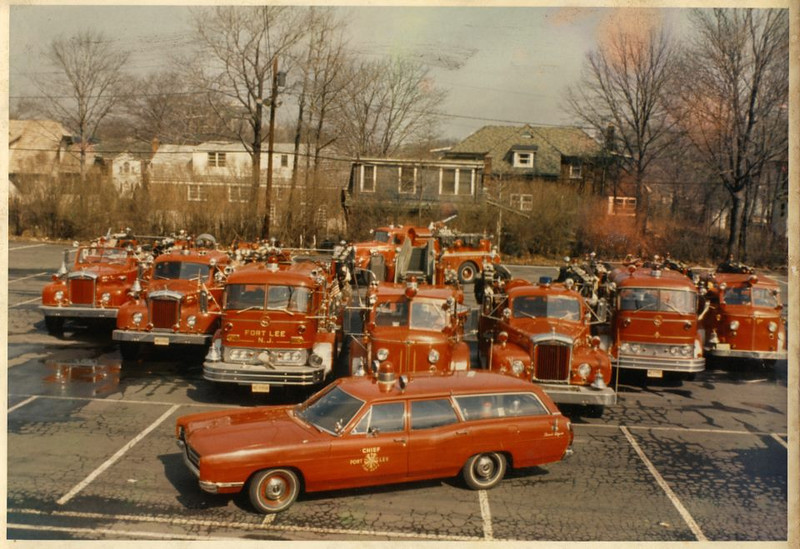 Fort Lee apparatus picture of 1960s - (L to R) E5, Rescue, E2, L1, E1, E6, E4, to rear E3