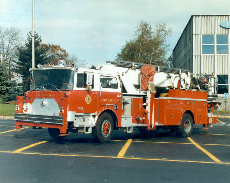 Fort Lee T2 1975 Mack Baker 75ft mmt