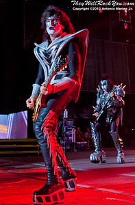 Tommy Thayer of KISS performs at the Nikon Jones Beach Theater on September 22, 2012