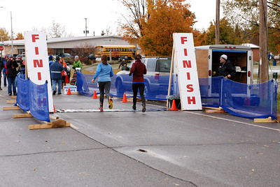 Harvest Half and 5K finish -45