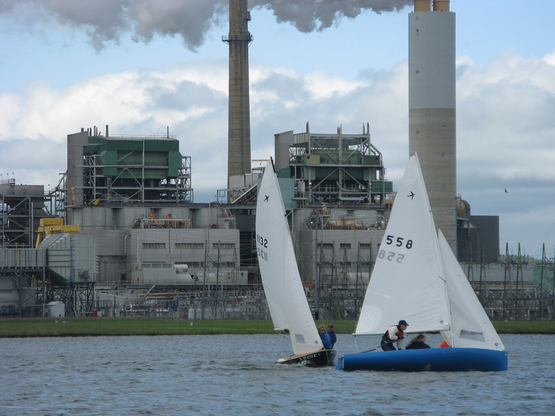Zaugg/Joudrey come screaming in on port as Barbehenn/Hennon round the top mark