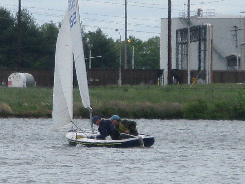 Saunders and Oldach are still sitting low in the water as they look for the next mark