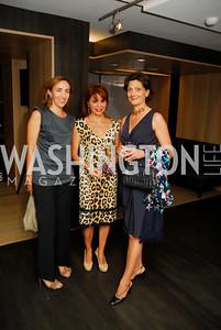 Esperanza Berrocal,Lisa Fuentes,Martina Bagnoli,September 21,2012,A Dance Party  at  A   Bar,,Kyle Samperton