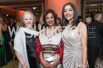Jean Wighan, Farrida Allaghi, Humera Faheem Rehman. Mentor Foundation USA International Gala. Photo by Alfredo Flores. Four Seasons Hotel. September 20, 2012