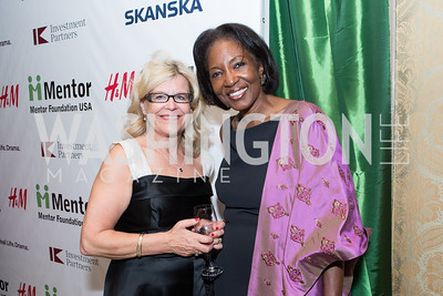Eva Livjin-Olin, Juanita Boyd Hardy. Mentor Foundation USA International Gala. Photo by Alfredo Flores. Four Seasons Hotel. September 20, 2012