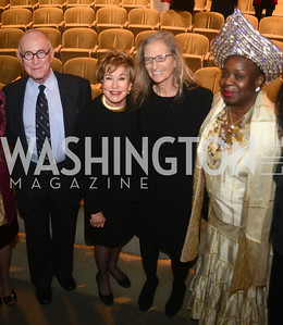Richard Rhodes, Elizabeth Dole, Annie Liebovitz, Dr. Gloria Herndon,  National Women's History Museum, De Pizan Gala.  Dr. Maya Angelou, the Honorable Elizabeth Dole, Photographer Annie Leibovitz honored. Photo by Ben Droz.