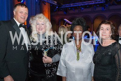Bob Davis, Kim Larew, Bernice Harper, Denise Mead. Passion for Caring Gala. Photo by Alfredo Flores. National Building Museum