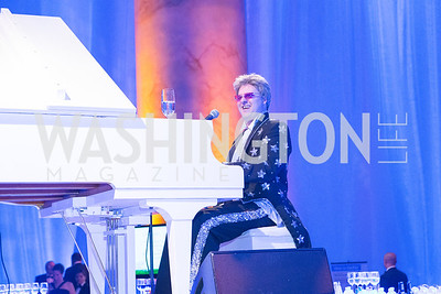 Lee Alverson tribute to Elton John. Passion for Caring Gala. Photo by Alfredo Flores. National Building Museum.CR2