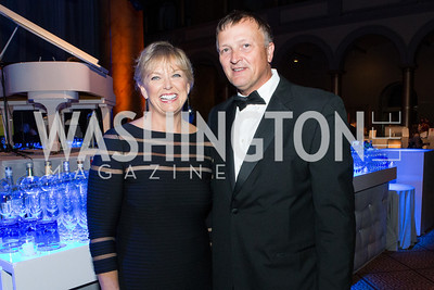 Marlene Davis, Robert Davis. Passion for Caring Gala. Photo by Alfredo Flores. National Building Museum