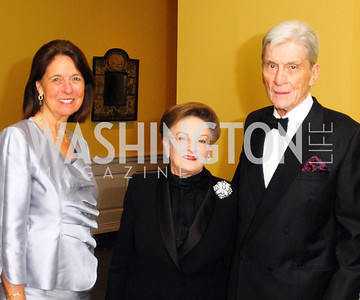 Jeanne Warner,Linda Kaufman,John Warner,October 3,2012Preview Reception for Masterpieces of American Furniture from the Kaufman Collection National Gallery of Art,Kyle Samperton