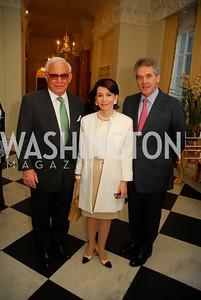 John Mason,JoAnn Mason,Sir Peter Westmacott,April 11,2012,Reception for Dame Jillian Sackler at The Residence of the British Ambassador,Kyle Samperton