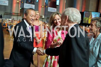Japanese Ambassador Ichiro Fujisaki, Mary Anne Huntsman, Mariella Trager, Senator Joseph Lieberman, Hadassah Lieberman. Photo by Ben Droz.