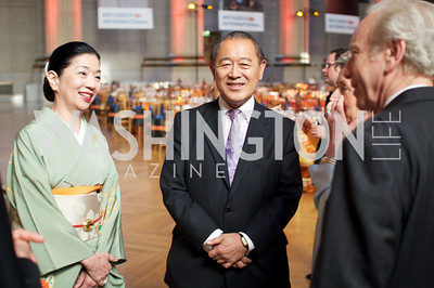 Mrs. Yoriko Fujisaki and Ambassador Ichiro Fujisaki talk with Senator Joseph Lieberman. Photo by Ben Droz.