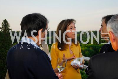 Carolyn Kaplan,May 17,2012,Us Against Alzheimers' No Gala Gala,Kyle Samperton