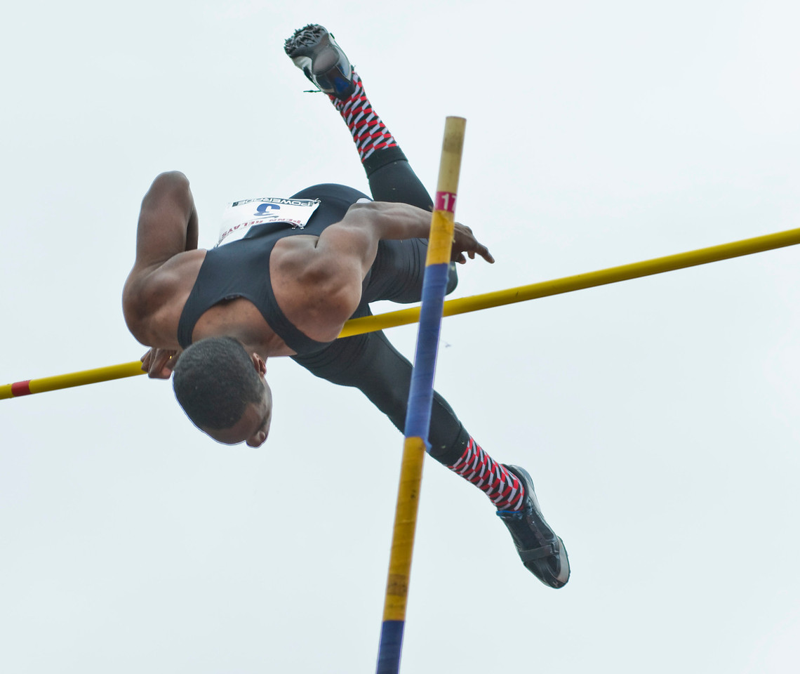 The Penn RelaysMPoleVault000444