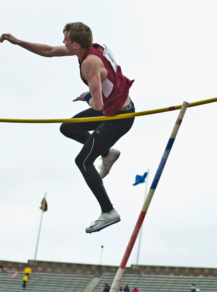 The Penn RelaysMPoleVault000426