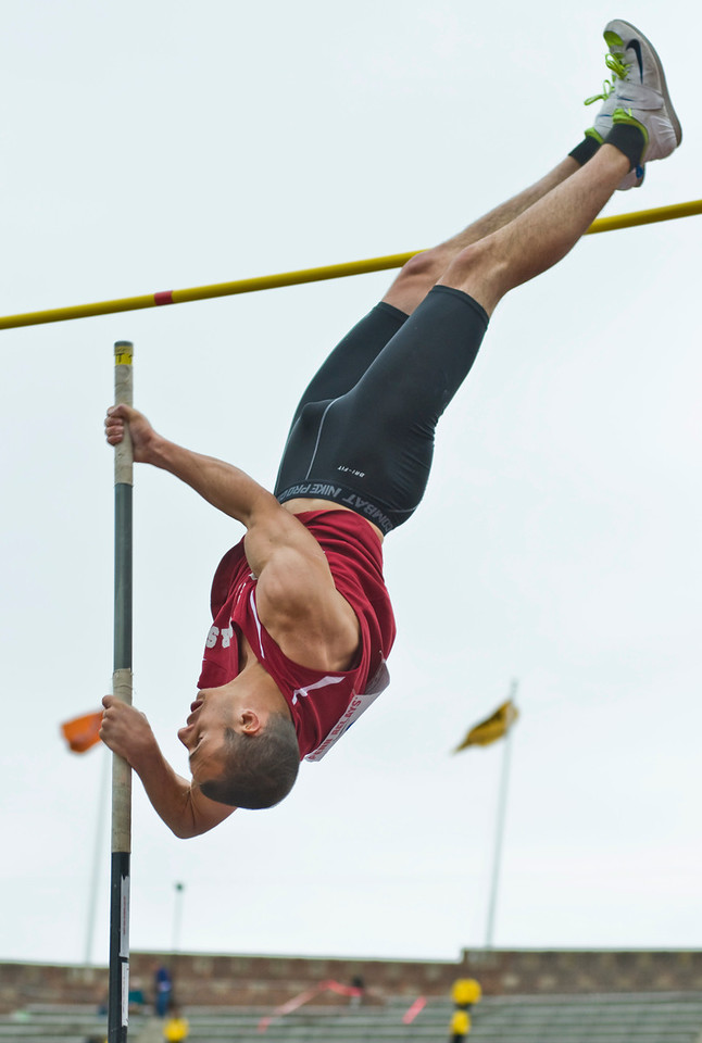 The Penn RelaysMPoleVault000435