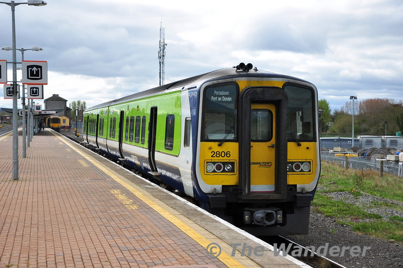 The new order on Limerick Regional Services. Once the 2700 Class fleet is mothballed the majority Limerick Regional services will be in the hands of these 2800 class DMU cascaded from Dublin Commuter services. <br /> <br /> 2806 + 2805 await departure with the 1347 to Limerick City and not Portadown as the destination blind suggests. Sat 07.04.12