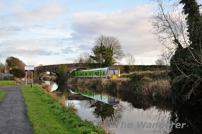 29014 at Pike Bridge with the 1440 Maynooth - Pearse. Sat 15.12.12