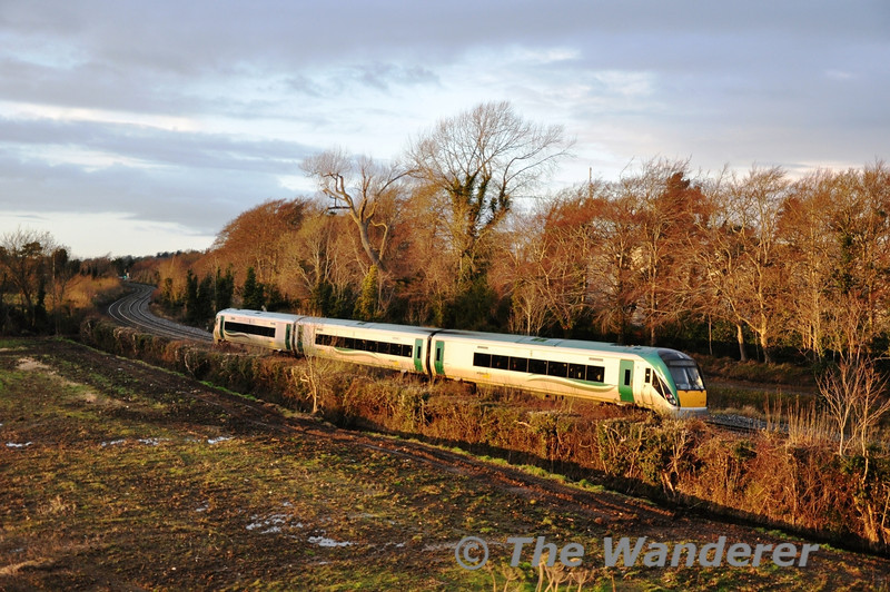22007 passes Collinstown with the 1505 Connolly - Sligo. Sat 15.12.12