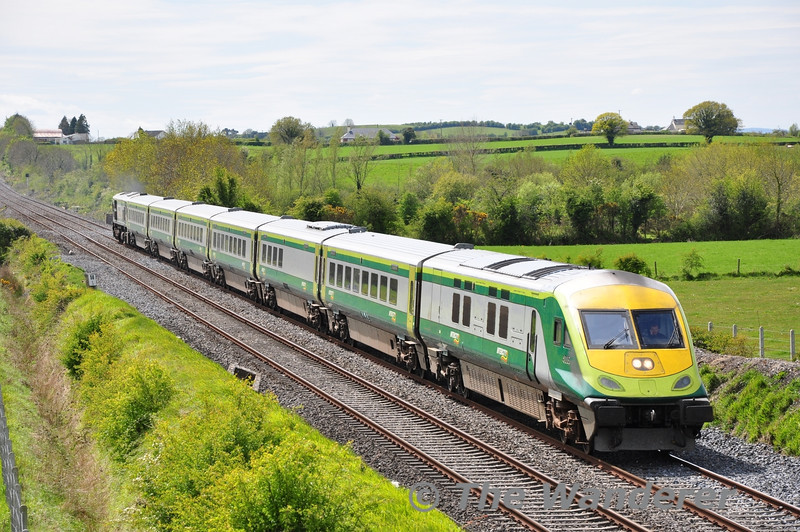 4005 at Rosskelton with the 1230 Cork - Heuston. Sun 13.05.12