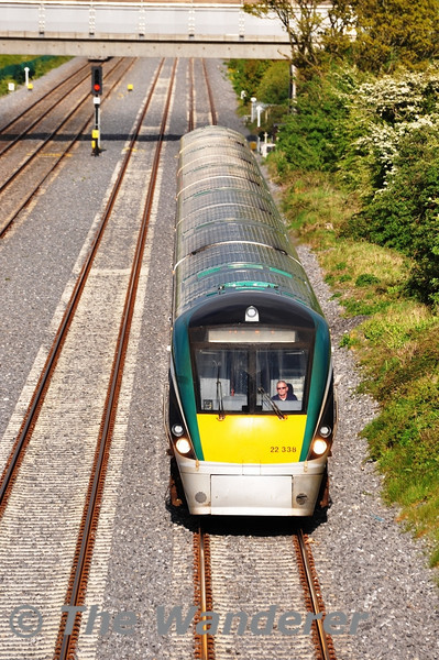 22038 1835 Heuston - Waterford passes Adamstown operating along the Down Fast Line. Tues 15.05.12
