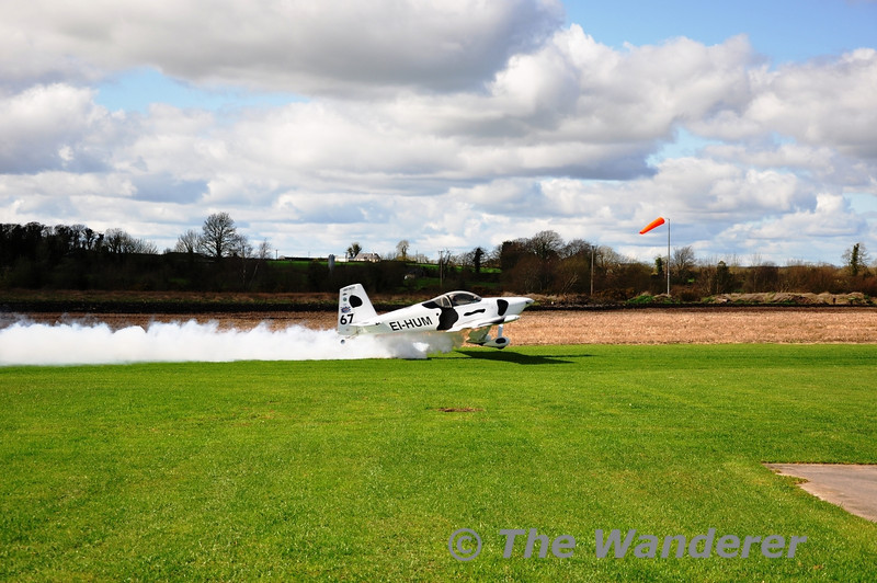 EI-HUM takes off from Limetree Airfield during the National Microlight Association of Ireland (NMAI) flyin event. Sun 18.03.12