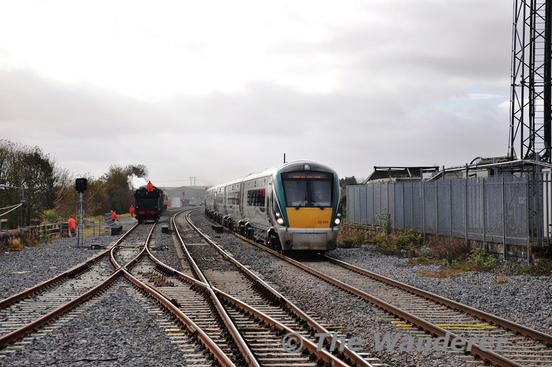 The 1455 Laois Depot - Heuston was advanced to the 1343 path today to bring 3 X 3 ICR's to Heuston for the mid afternoon departures. Units 22003 + 22004 + 22030 pass 461 at Portlaoise Station. Tues 06.11.12