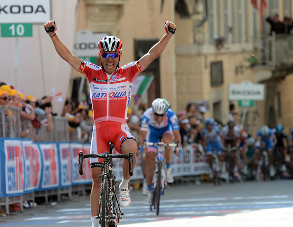 Joachim Rodriguez wins stage ten ahead of Huzarski and Visconti - Hesjedal finishes in 6th-place...
