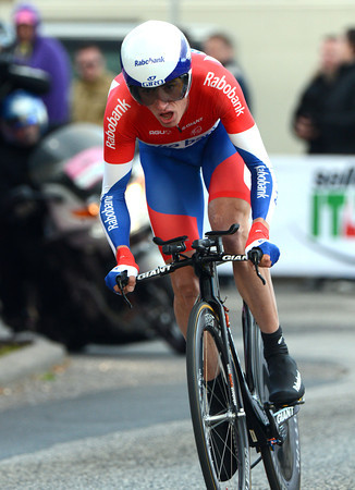 Stef Clement raced into 12th place, 28-seconds down...