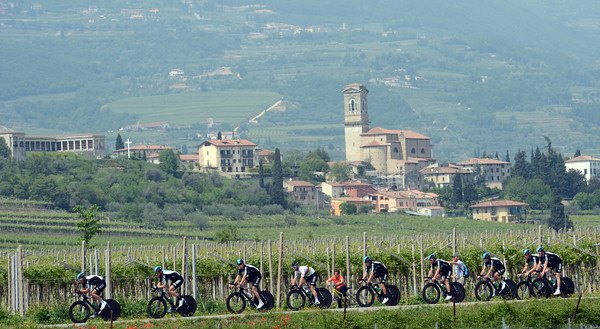 The setting is Amarone di Valpolicella, and Team Sky are testing out the TTT course...