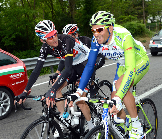 Frank Schleck and Ivan Basso pass a few minutes of the stage as friends...but still rivals!