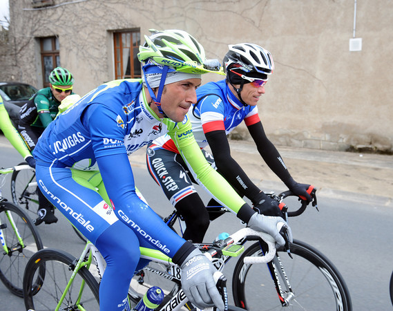 Ivan Basso swaps race-notes with Sylvain Chavanel...