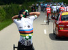 Mark Cavendish loads up with water for his colleagues - not many World Champions do this..!