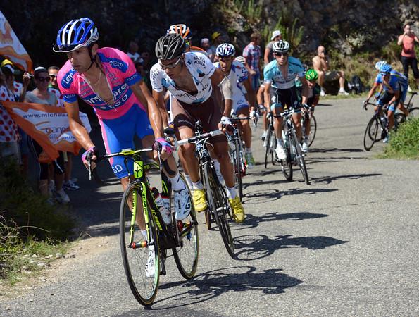 Michele Scarponi has exploded the escape on the big mountain-climb...