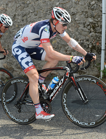 Andre Greipel is only a few long seconds behind Wiggins and Evans - as are three of his teamates...