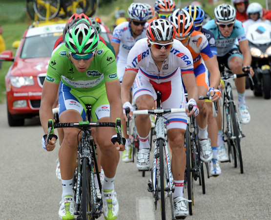 Five more riders join Sagan to make this a successful escape group....