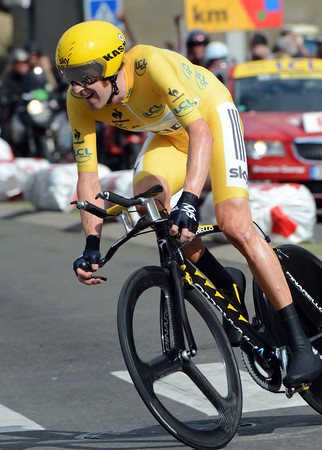 Bradley Wiggins won today's TT at a speed of alomst 50-kilometres-per-hour..!