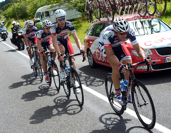 Hansen paces Greipel back after the second crash...