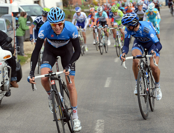 Ryder Hesjedal attacks on the last climb, but gets caught...