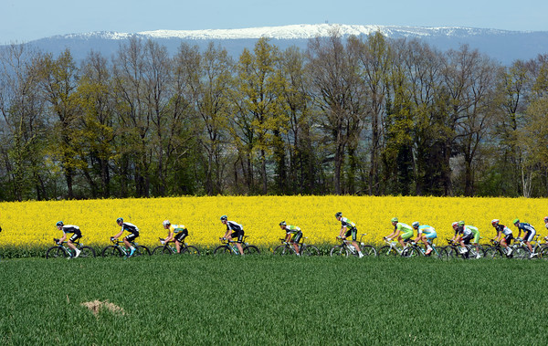 Team Sky are hard at work oblivious to the springtime landscape in Romandie...