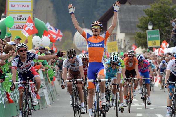 Luis Leon Sanchez wins stage three - but Meersman doesn't look too pleased at all..!