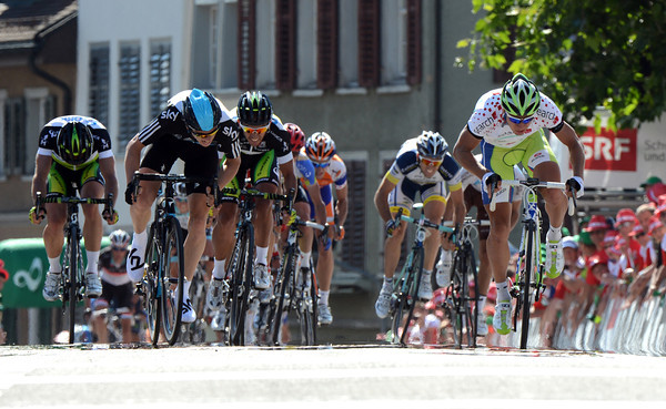 Ben Swift sprints against Peter Sagan for the win..!