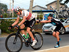 Chris Sutton is getting Boasson Hagen going again after another flat tyre - push CJ..!