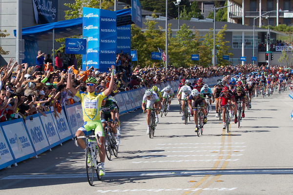 A crash and another flat tire late in the stage couldn't slow Sagan down - two stages, two wins!