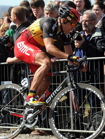 Philippe Gilbert is not far behind Flecha..!